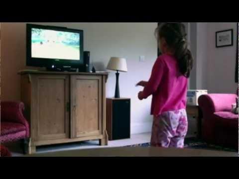 Family Gamer TV 1.1 – Forza, Kinectimals, Kinect Fruit Ninja, Ocarina of Time 3DS and Cars 2 - YouTube thumbnail