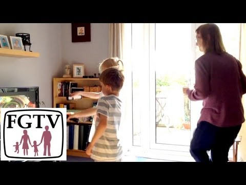 Just Dance 4 Hands On Wii U (FGTV 2.60) - YouTube thumbnail
