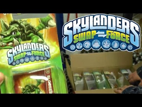 Legendary Free Ranger Off the Truck at Toys R Us – Swap Force US & UK Launch Retail Update - YouTube thumbnail