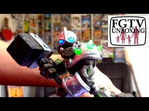 Skylanders Giants Crusher Unboxing (FGTV 2.38) - YouTube thumbnail