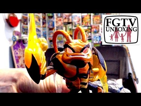 Skylanders Giants Swarm Unboxing (FGTV 2.39) - YouTube thumbnail