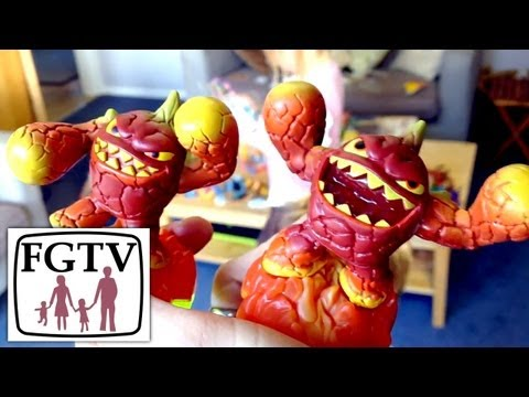 Skylanders Giants Wave 1 Family Unboxing All Characters (FGTV 2.57) - YouTube thumbnail