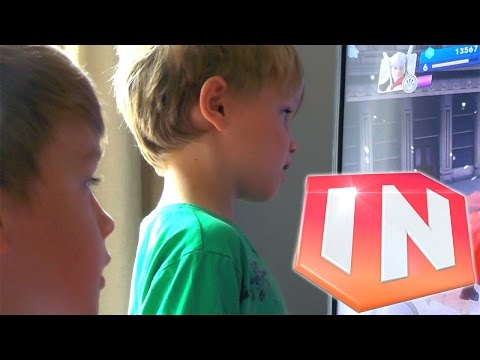 Review: Disney Infinity 2.0 Marvel The Avengers - YouTube thumbnail