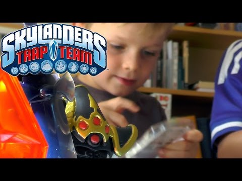 Kids Unbox-React Skylanders Trap Team Wave 1 - YouTube thumbnail