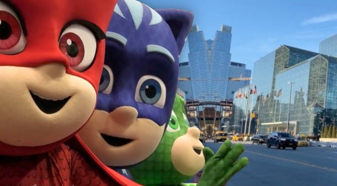 Gekko Steals The Toy Show and Magics The PJ Masks Toys